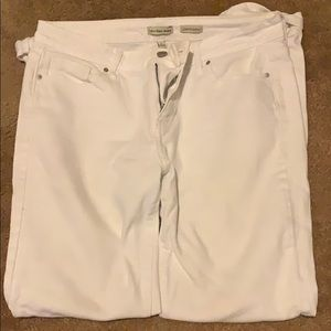 perfect white pants!